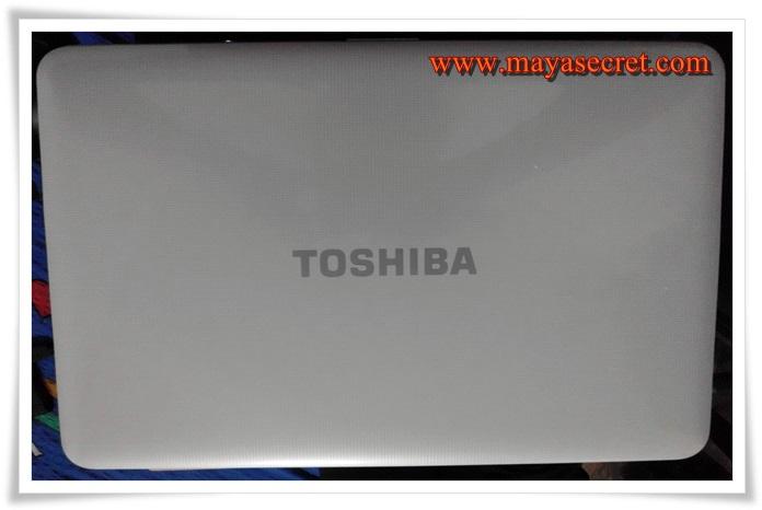 laptop toshiba poze