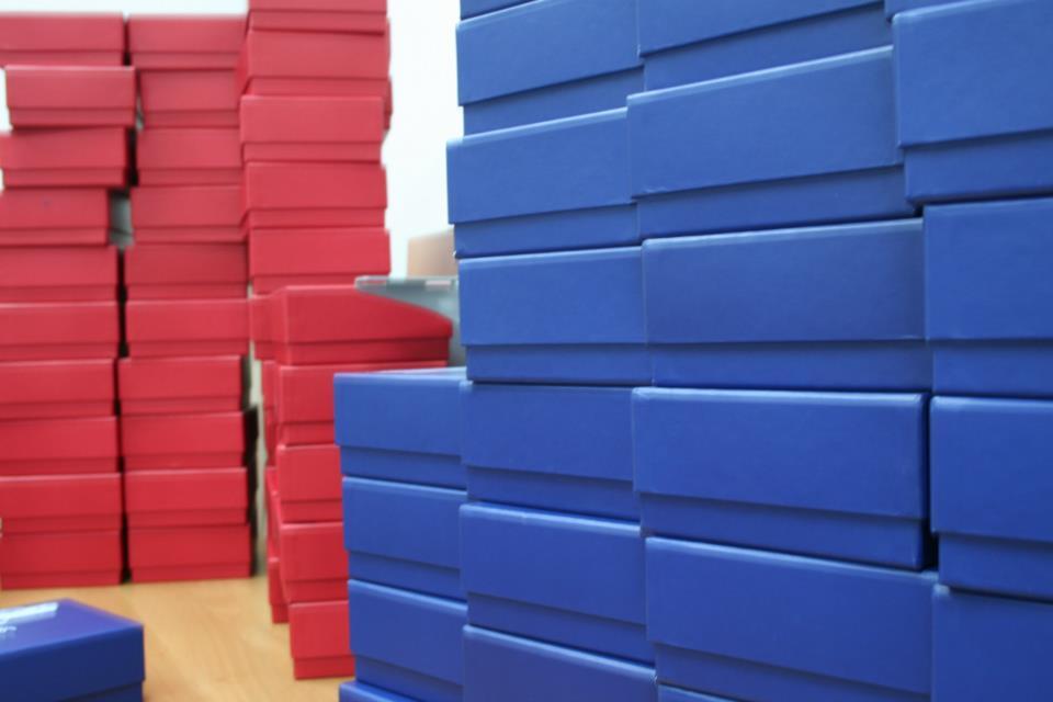 pink box blue box
